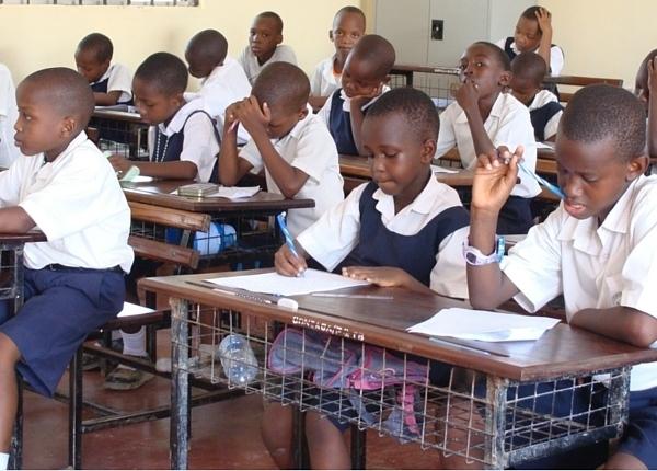 Tanzania_Gonzaga_Primary_gilrs_n_boys